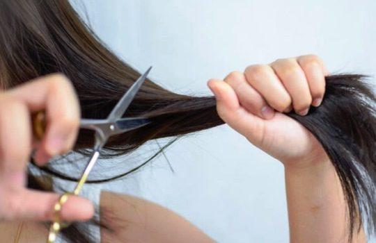 Cara Memotong Rambut Sendiri Tanpa Perlu ke Salon Kecantikan